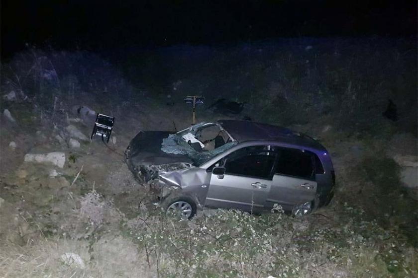 Mültecileri taşıyan araç devrildi: 1 ölü