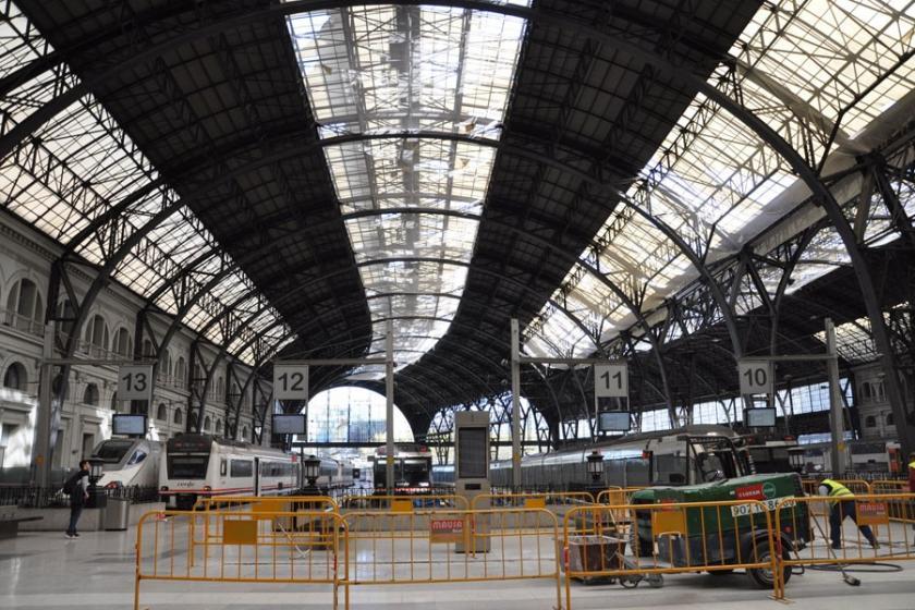 Barselona ve Madrid'de bomba alarmıyla kapanan tren hatları açıldı