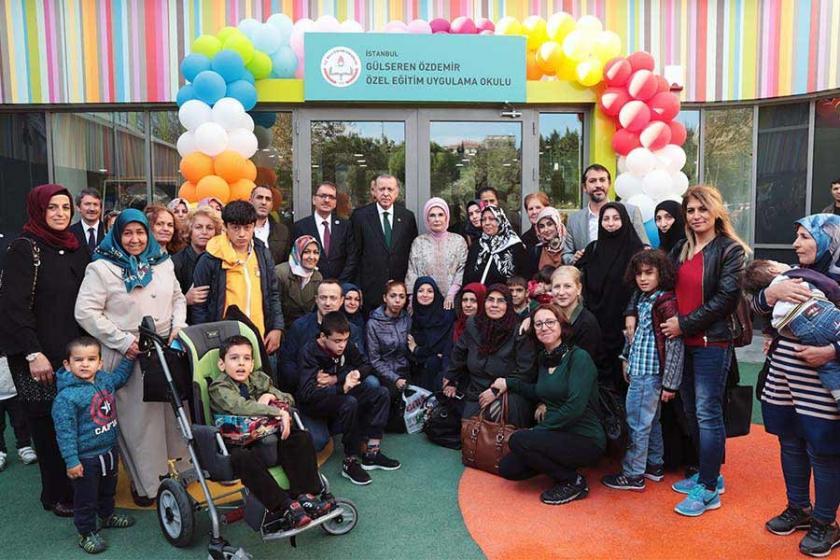 Liselilerin para vaadiyle Erdoğan mitingine götürüldüğü iddia edildi