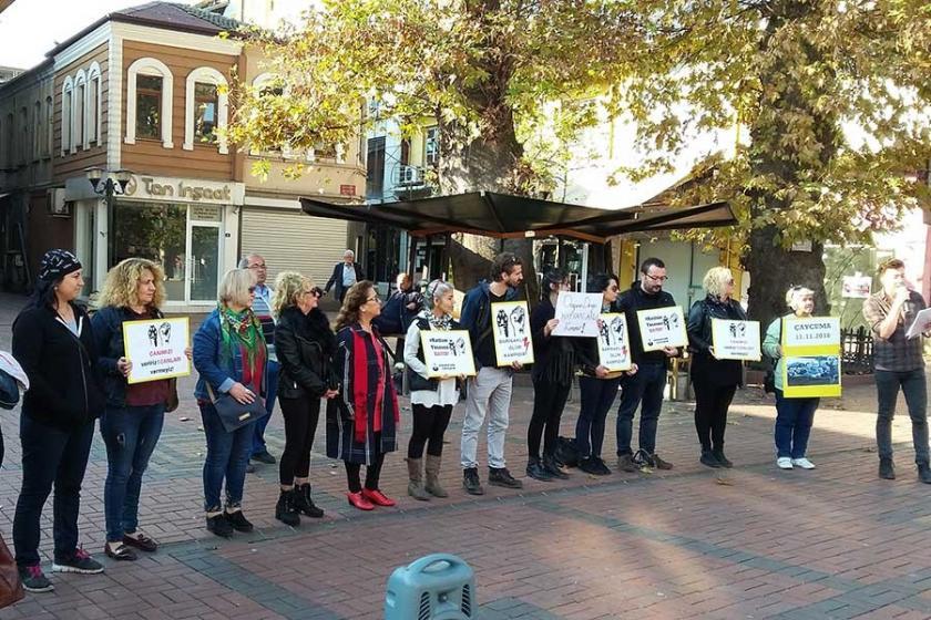 Hayvan hakları savunucuları eylem yaptı