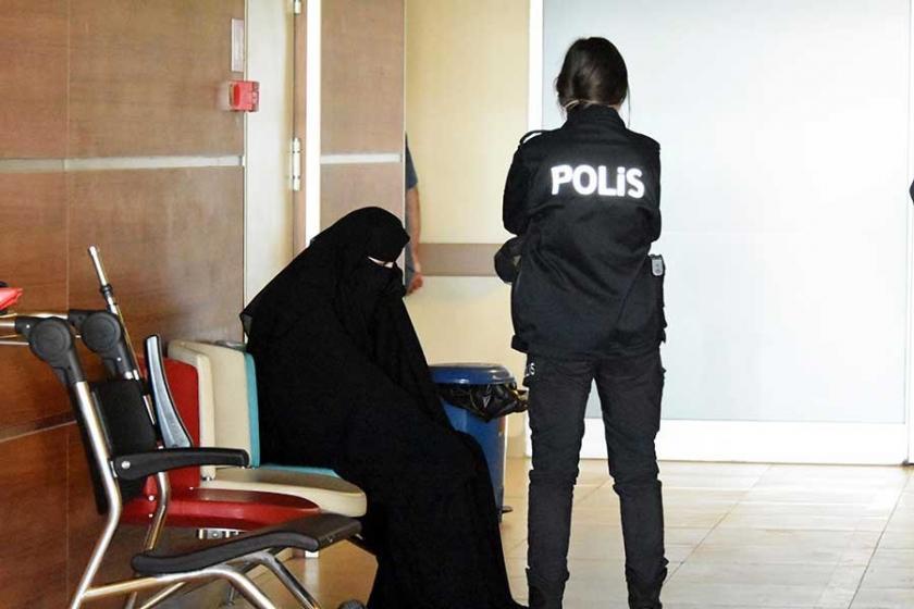 Atatürk'e hakaretten gözaltına alınan kadın tutuklandı