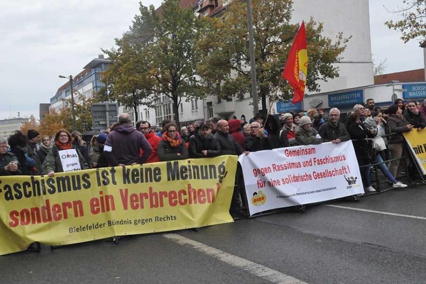 Nazi karşıtı gösteriye binler katıldı