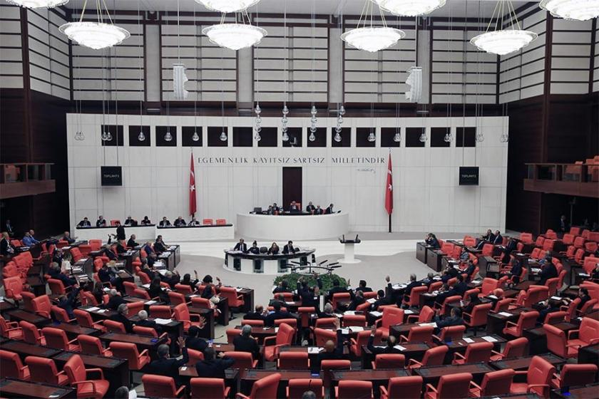 Meclise giriş yasağı kalktı