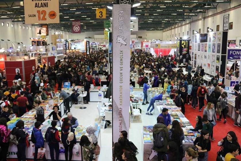 İstanbul Kitap Fuarı'nda son üçgün