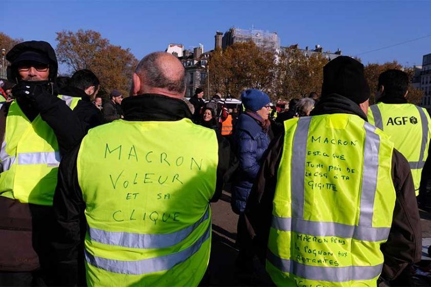 Macron'un en zor sınavı: Sarı yelekliler