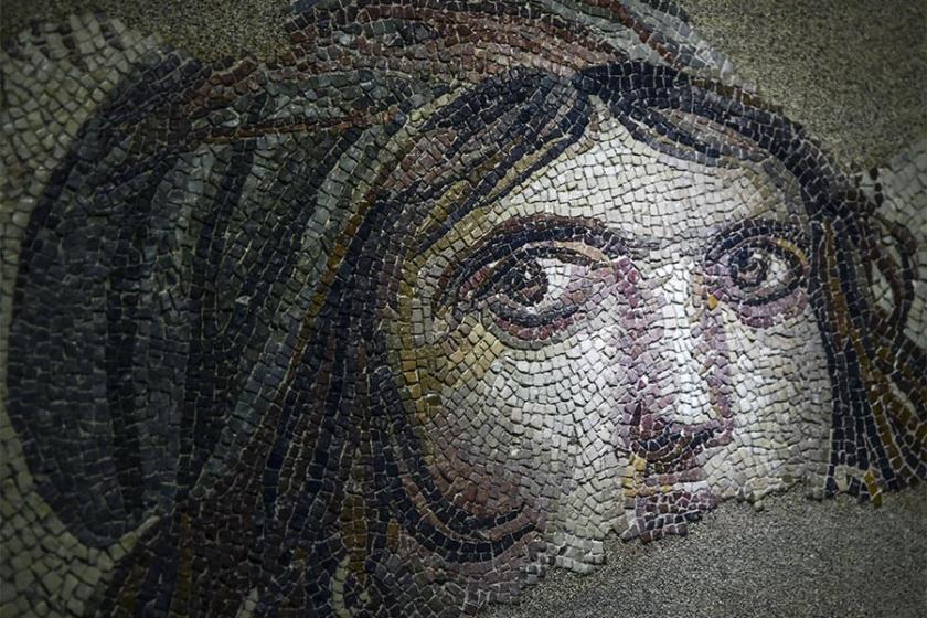 'Çingene Kızı' mozaiğinin kayıp parçaları ziyarete açıldı