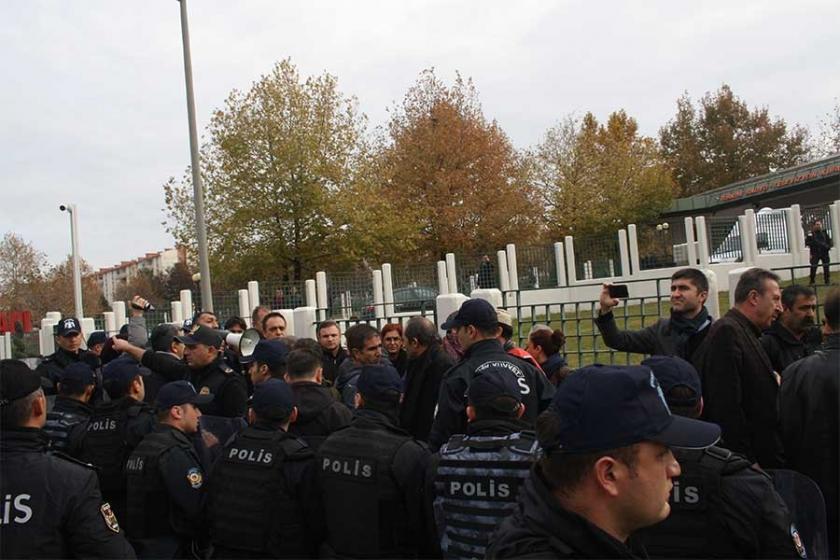 TRT önünde basın açıklaması da, çekim de yasak!