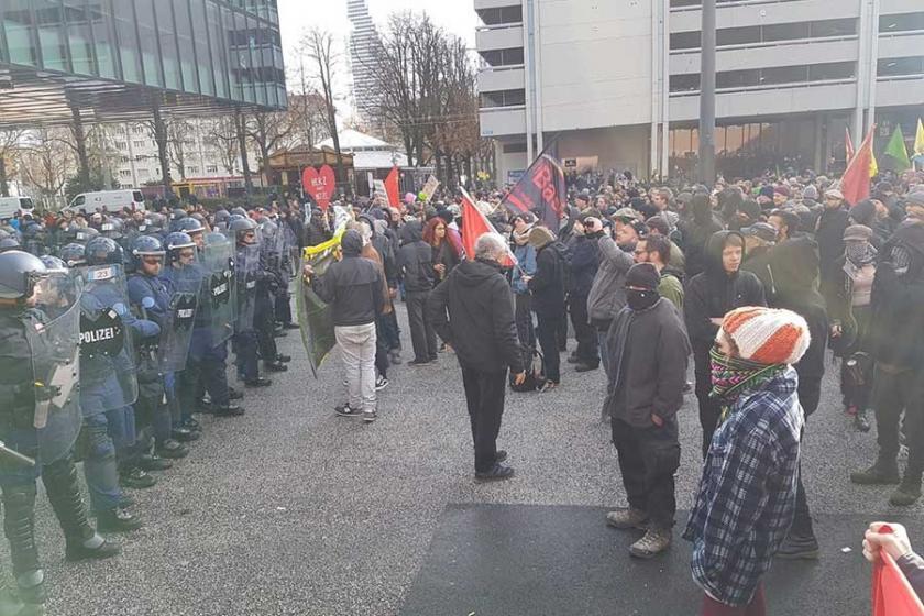 Basel'de ırkçı gösteri engellendi