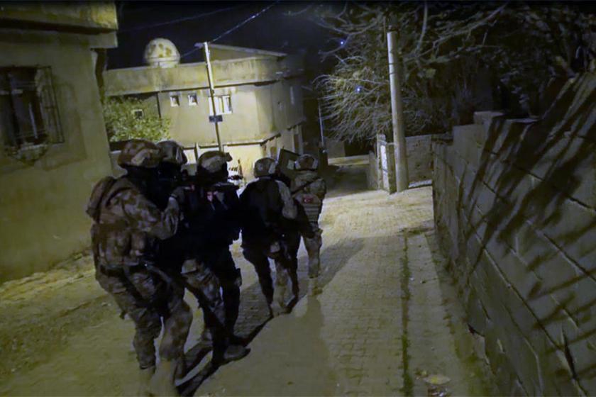 Beş kentte operasyon düzenlendi: Onlarca kişi gözaltına alındı