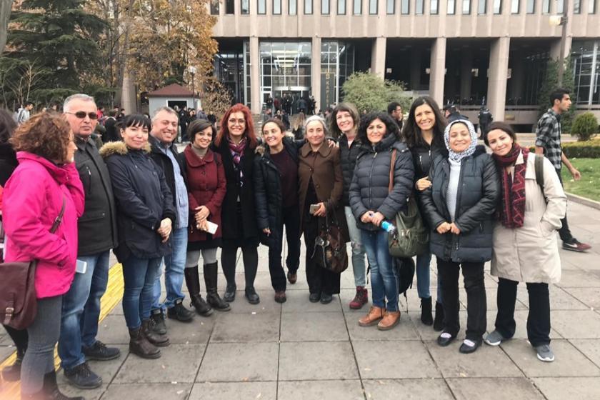 Gözaltındaki sendikacı ve siyasetçiler serbest bırakıldı
