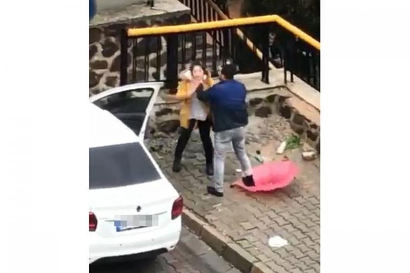 İzmir'de sokak ortasında kadına şiddete büyük tepki