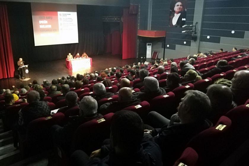 Avcılar'da kriz forumu: Ortak mücadele fabrika önlerine taşınmalı
