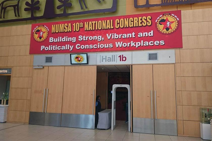 Güney Afrika'da sosyalist parti kuran sendika seçimlere hazırlanıyor