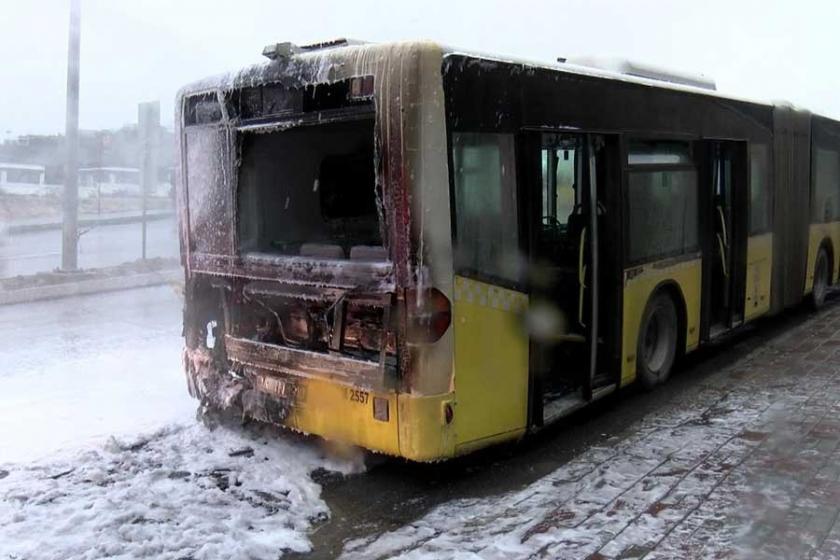 Başakşehir'de seyir halindeki  İETT otobüsünde yangın çıktı
