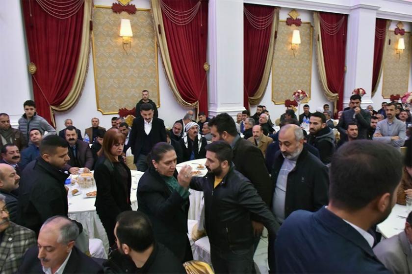 Barış ve kardeşliğe tahammül edemeyen AKP'liler salonu terk etti