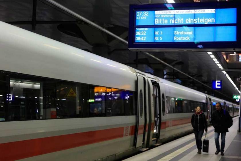 Almanya'da demir yolu çalışanlarının uyarı grevi etkili oldu