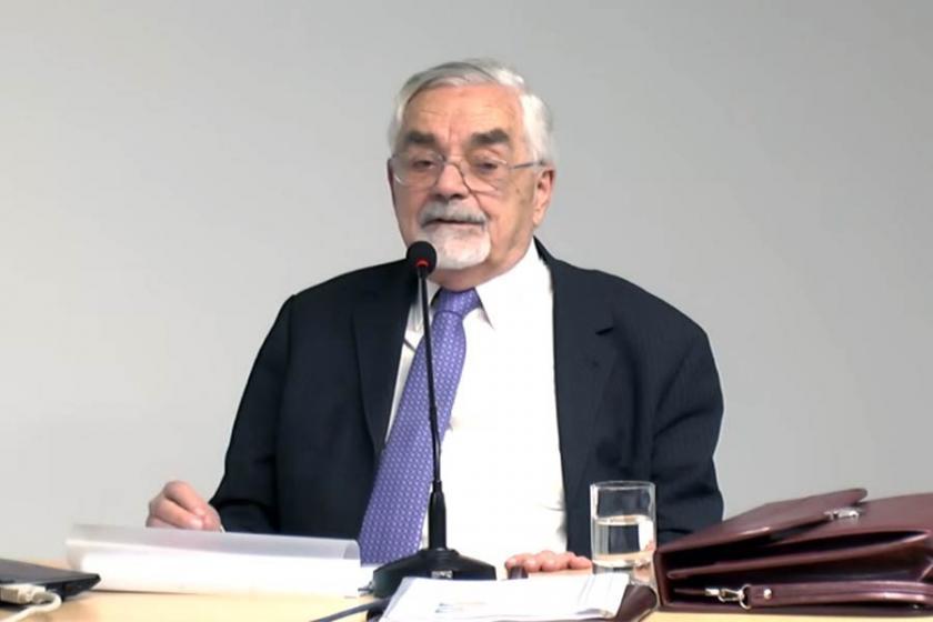 Prof. Dr. Bozkurt Güvenç hayatını kaybetti