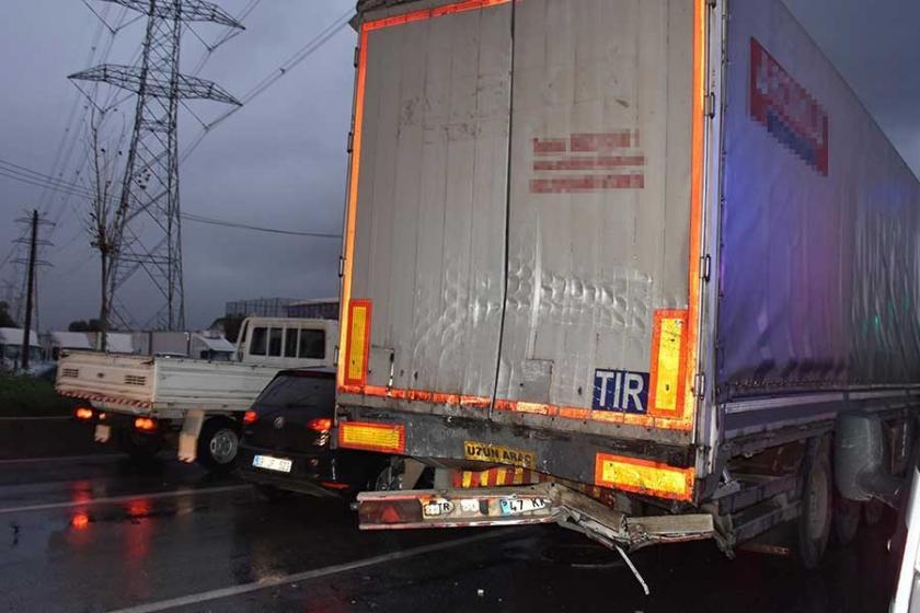 TIR'ın tekeri ile kupası (kabin) arasına sıkışan sürücü öldü