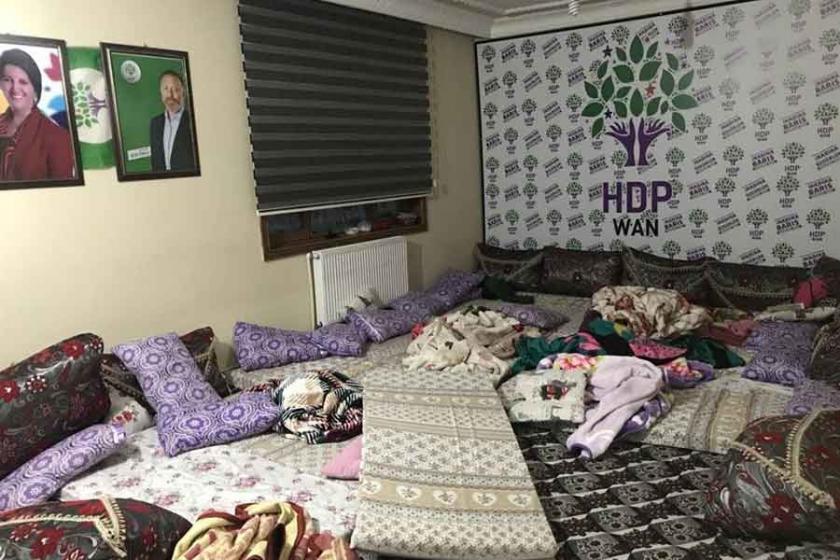 Van'da polis baskını: Açlık grevindeki 14 kişi gözaltına alındı