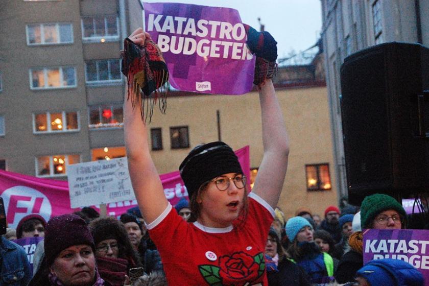 İsveç'te emekçi karşıtı bütçe protesto edildi