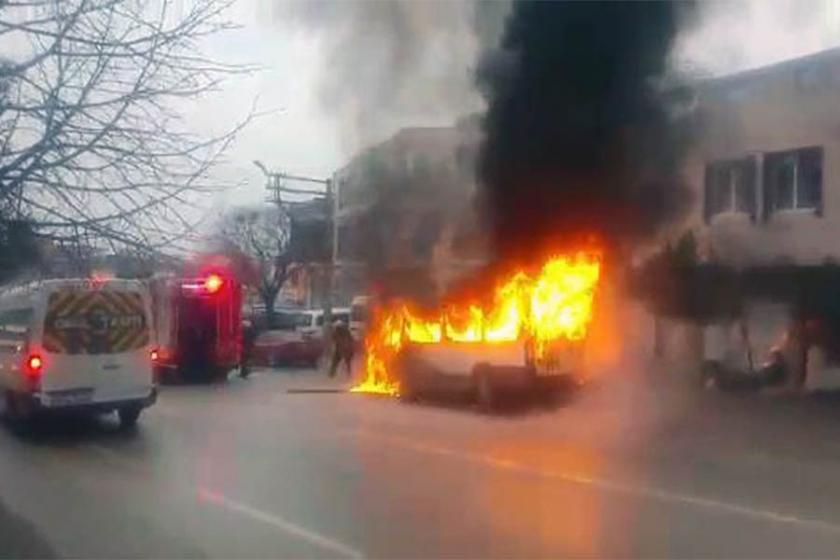 Bursa'da işçi servisi alev alev yandı