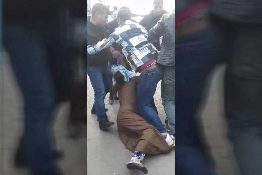 Diyarbakır'da bir kadın sokak ortasında darbedildi