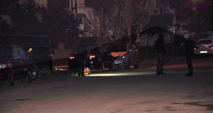 Reyhanlı'da otomobilin altına bırakılan 2 bomba kontrollü patlatıldı
