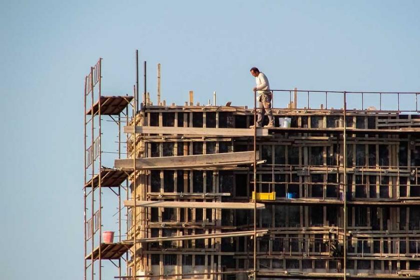 Marina inşaatında çalışan işçi, inşaattan düşerek hayatını kaybetti