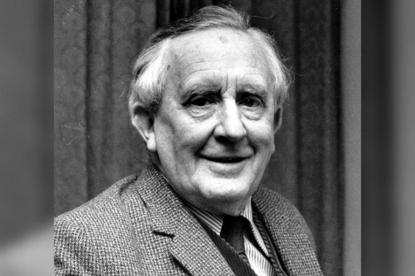J.R.R Tolkien kimdir?