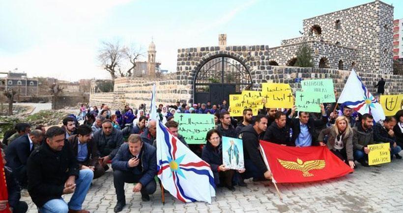 Süryaniler IŞİD saldırılarını İdil'de protesto etti
