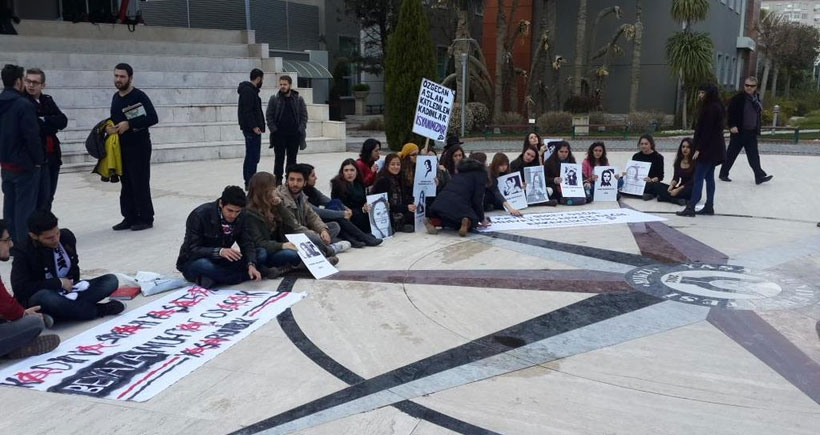 Yaşar Üniversitesi öğrencileri kadın cinayetlerini kınadı