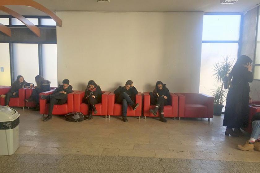 'Yurt çıkmadığı için kütüphane koltuklarında sabahladım'