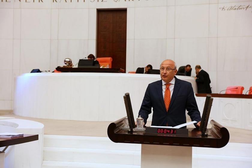 'Ömürlük büyükelçilik unvanı' düzenlemesine CHP'den tepki