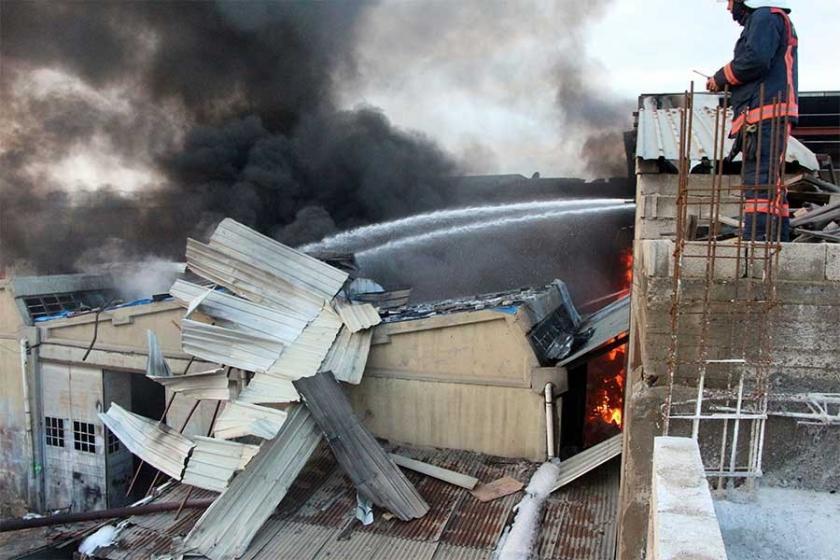 Antep'te tutkal imalathanesinde yangın: 2'si ağır 5 yaralı