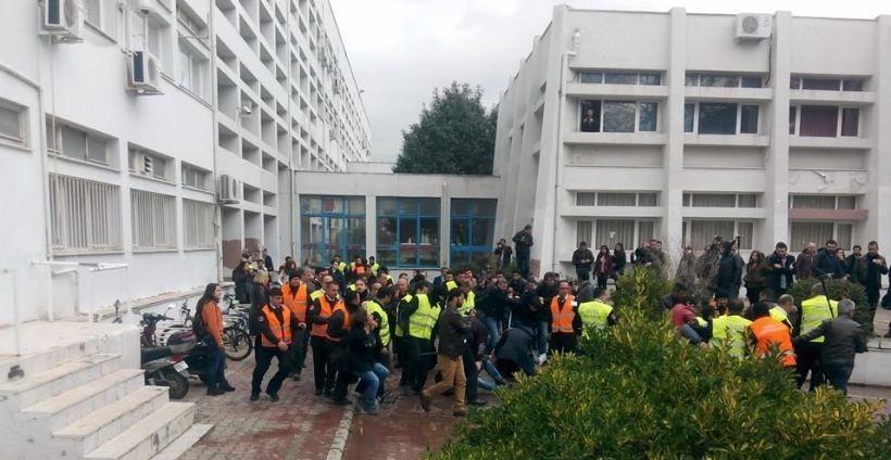EÜ'de 21 öğrenci gözaltına alındı