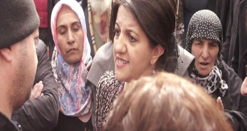 Buldan, polisle Öcalan posteri yüzünden tartıştı