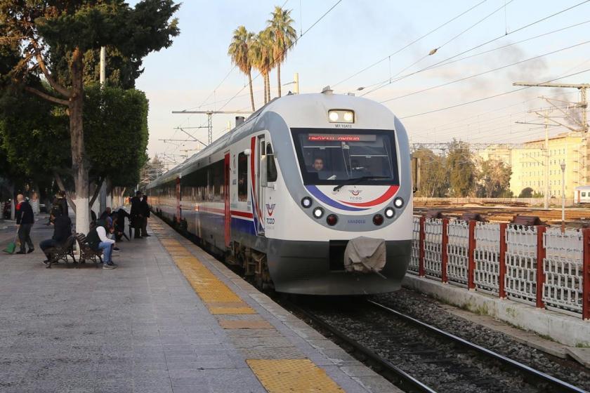 Raylara düşen kişi tren çarpması sonucu öldü