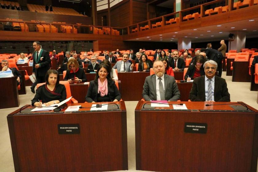 Meclis'te başlatılan 'Barış Nöbeti' sona erdi