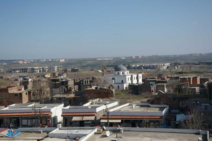 Diyarbakır Sur'da yıkılan mahalleye muhtar adayı oldu