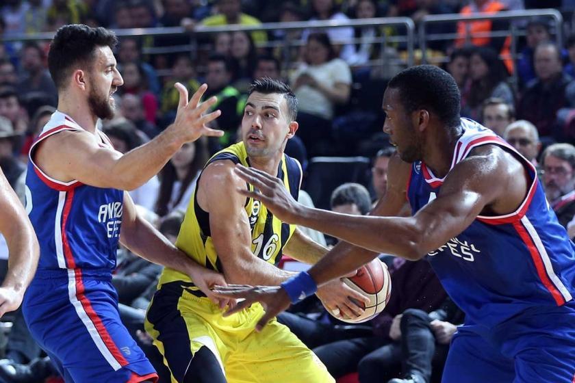 Anadolu Efes'i 80-70 yenen Fenerbahçe Beko, Türkiye Kupası'nı aldı