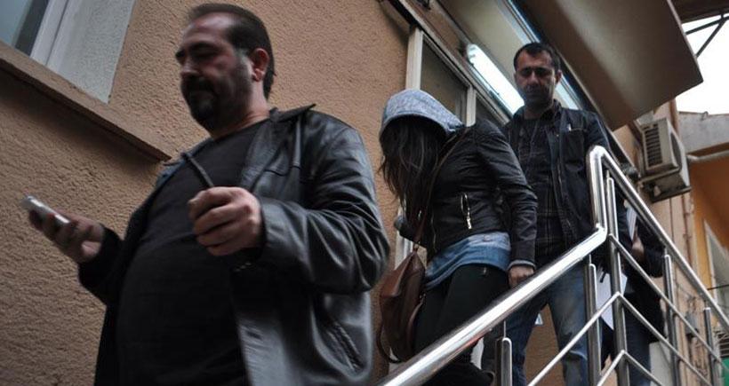 İzmir'de tabanca ile karakola giden kız kardeşlerden cinayet itirafı