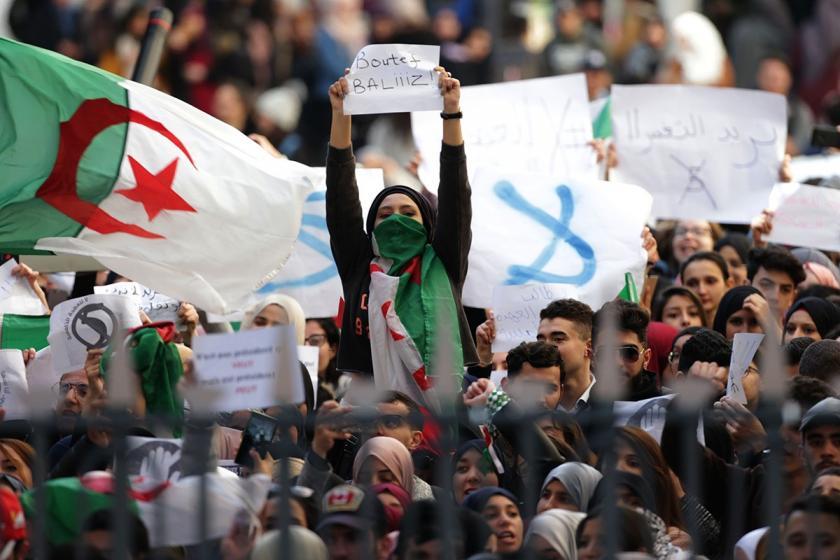 Cezayir'de FLN'den Meclis Başkanı'na istifa çağrısı