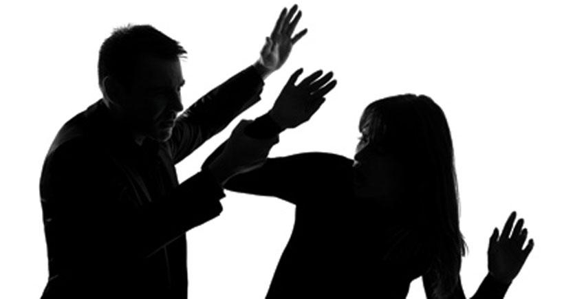 Kadınların yarısına yakını en az bir kere şiddet görüyor