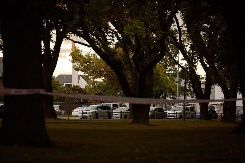 Yeni Zelanda'da 2 camiye silahlı saldırı: 50 kişi hayatını kaybetti