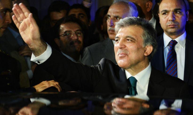 Gül, Erdoğan'ın Davutoğlu'ya karşı kozu mu?