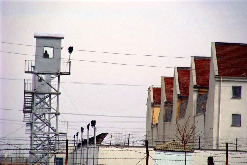 Metris cezaevindeki hasta tutukluların gerekli bakımı yapılmıyor