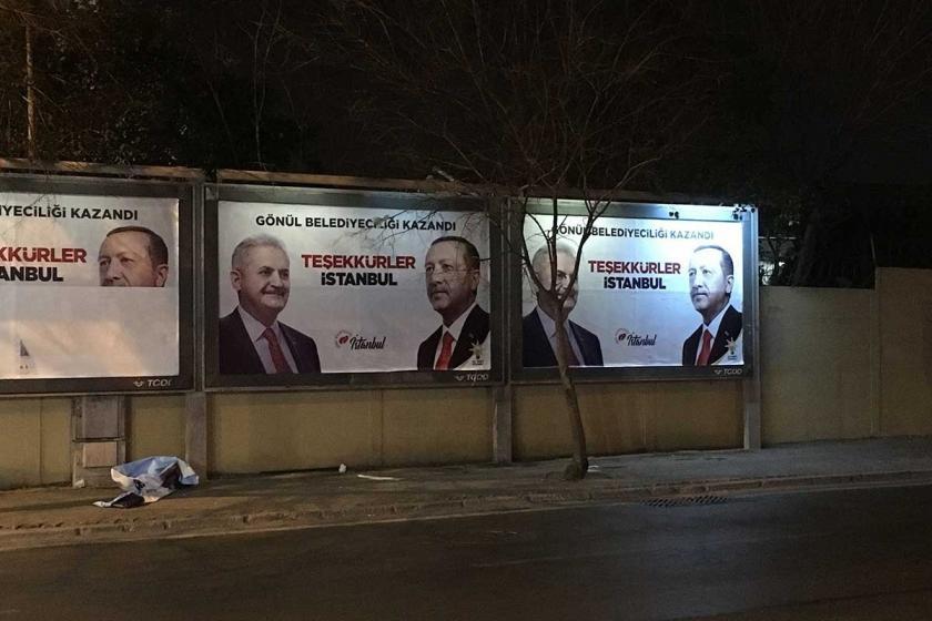 Kadıköy'de panolara Binali Yıldırım'ın 'kazandık' afişi asıldı