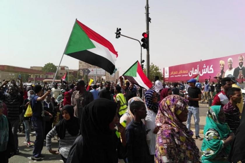 Sudan ve Cezayir dersleri: Zorbalar kalmaz, gider!