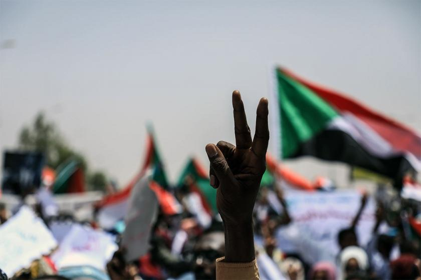 Sudan'da muhalefet askeri yönetimle görüştü, taleplerini iletti
