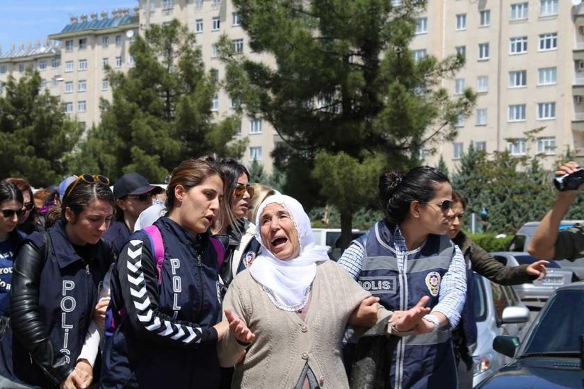 Diyarbakır Barosu: Deli gömleği giydirilmiş bir demokrasi
